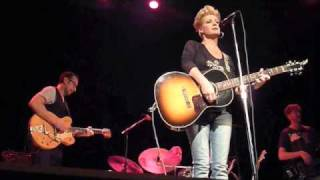 Watch Shelby Lynne Buttons And Beaus video