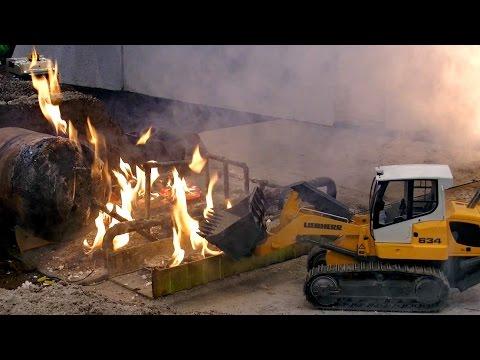 RC ROADWOLKER SHOW ELEMENTS FIRE EXPLOSION CRASH FOG ACCIDENT RESCUE MODEL TRUCKS / Intermodellbau