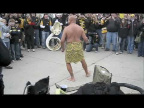 Samoan Slap Dance (fa'ataupati) celebrating Tony Moeaki's Senior Day 11/21/2009.