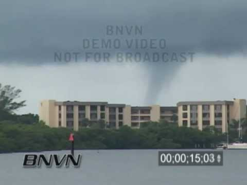 7/8/2006 Sarasota, FL Tornadic Waterspout Video