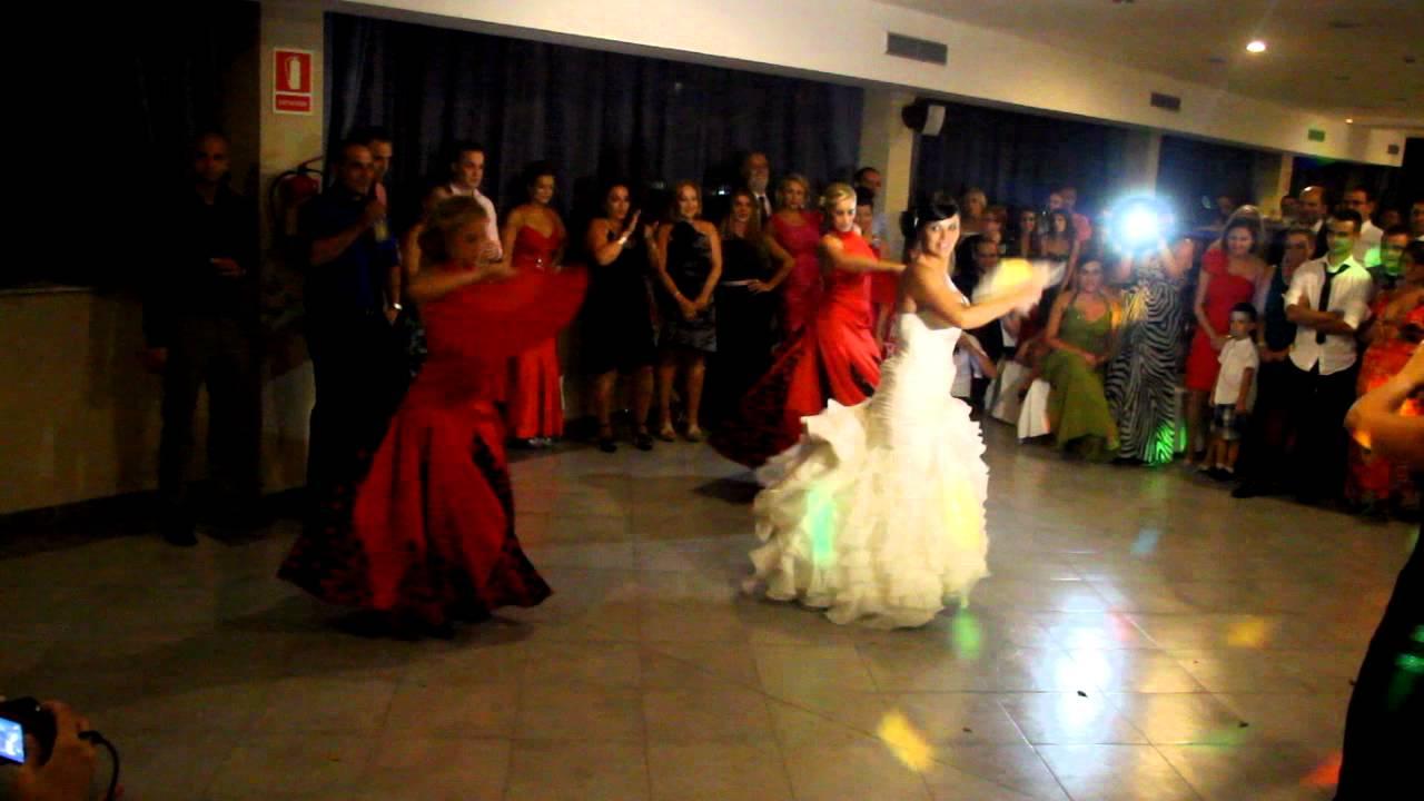 foto de Baile sorpresa de la novia al novio en la boda YouTube