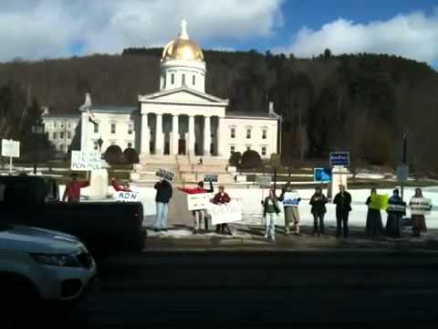 Ron Paul Supporters Rally Outside the Vermont State House