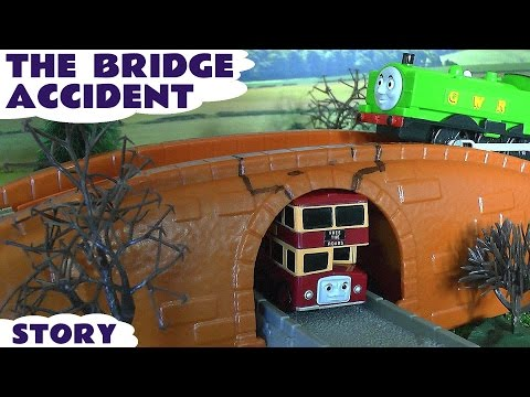 Bridge Accident Crash Thomas And Friends Duck Bulgy Play Doh Eggs Toy Story Of Bulgy Play-doh video