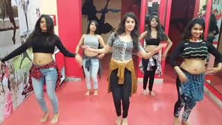 Belly dancing Asian Girl    These girls are awesome    Must watch