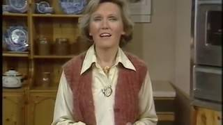 How to make Toffee Apples | Mary Berry Makes | Retro food | Afternoon Plus | 1979