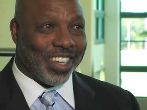 Donnie Shell talks about his experiences with former player Mel Blount.