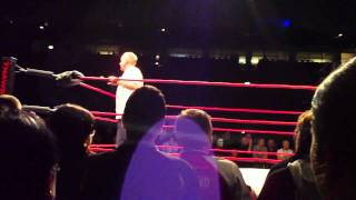 "Earl Hebners Reaktionen auf die ""You screwed Bret"" Rufe / TNA Knockouts"