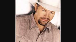 Watch Toby Keith Kissin In The Rain video