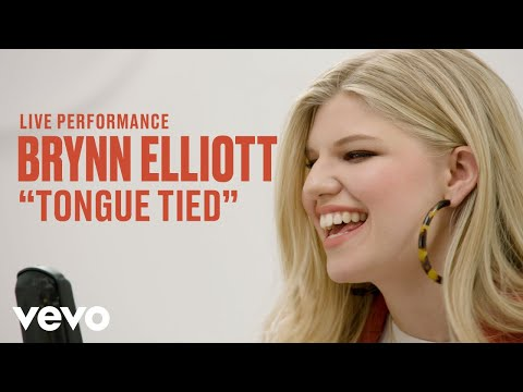 "Brynn Elliott - ""Tongue Tied"" Live Performance 