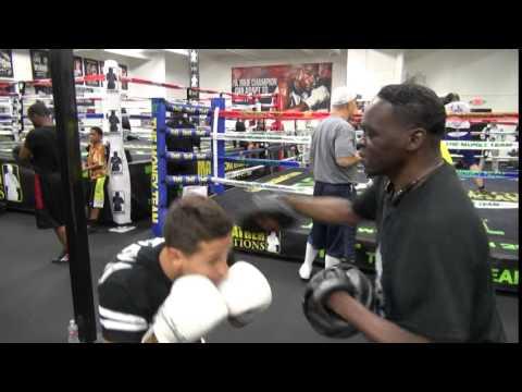 Jeff Mayweather padwork with top MMA prospect Tom Duquesnoy