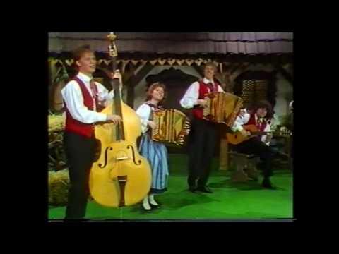 [HD] Erich Moser Ensemble - Ein walzer fur Harmonika