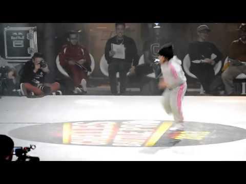 اجمل رقص اطفال 2014 محمد الشمري thumbnail