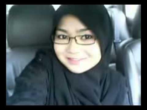 Perempuan Melayu Berjilbab Cantik