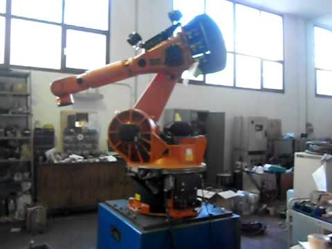 Used industrial robot Kuka KR200L120/2 with KRC1 GM controller at www.reprobots.com