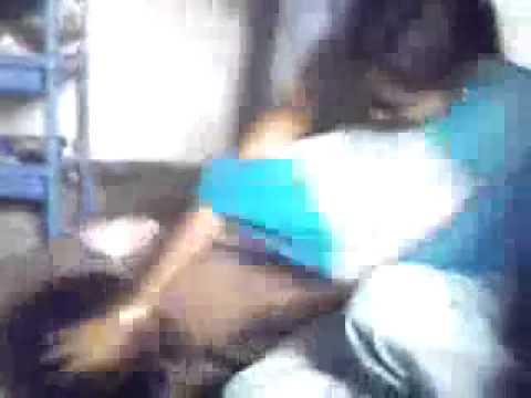 Mallu aunty Hot scene with a boy thumbnail
