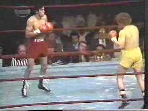 JOSE PIPINO CUEVAS VS SCOTT CLARK Video