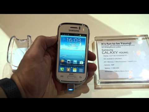 Samsung Galaxy Young Dual Sim Hands on at Launch in India - iGyaan