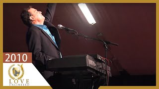 Watch Terry Macalmon You Deserve The Glory video