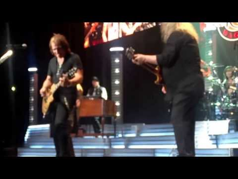 REO Reunion with Gary Richrath Dec 2013