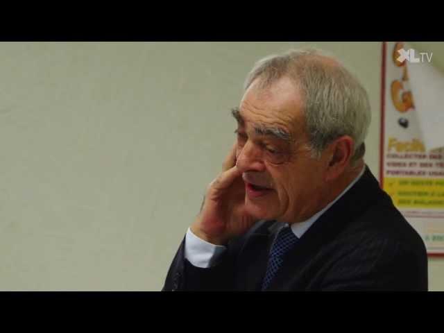Henri Emmanuelli face aux collégiens