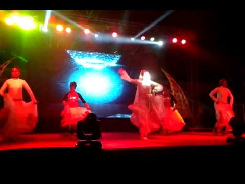 Russian Item Dancer Alina-yasmin parde Mein Rehne Do video