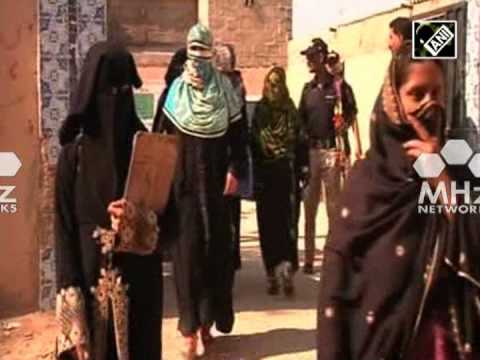 Polio vaccinators boycott vaccination campaign in Pakistan (SAN - 27 Nov, 2014)