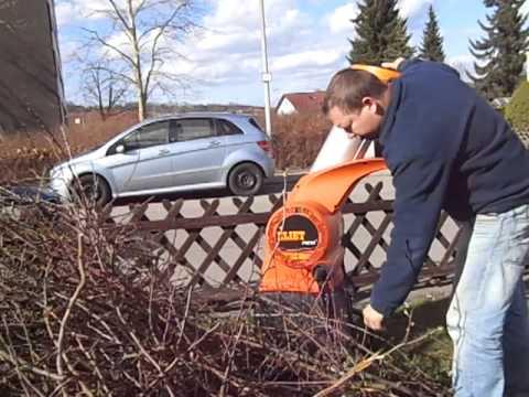 Kundenvideo, Gartenhäcksler Eliet Neo 2, Beim Obstbaumschnitt Häckseln