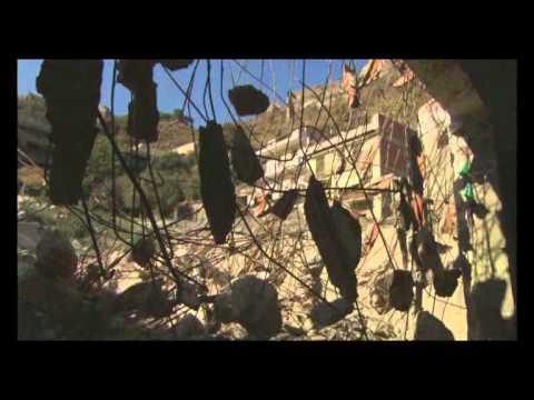 """Iudor presenta il trailer del Documentario """"Unottobre"""" diretto da Nicola Calì, realizzato per commemorare la tragica alluvione che ha colpito Messina il 1° Ottobre 2009. Il Documentario..."""