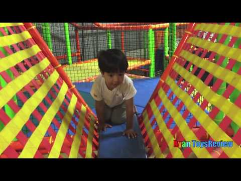 Indoor Playground Family Fun Play Area for kids Giant inflatable  Slides Children Play Center