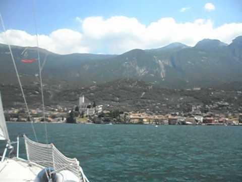 Barca a vela lago di garda