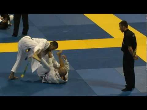 Tsuyoshi Tamaki  in 2012 BJJ Mundials Purple Belt Fight
