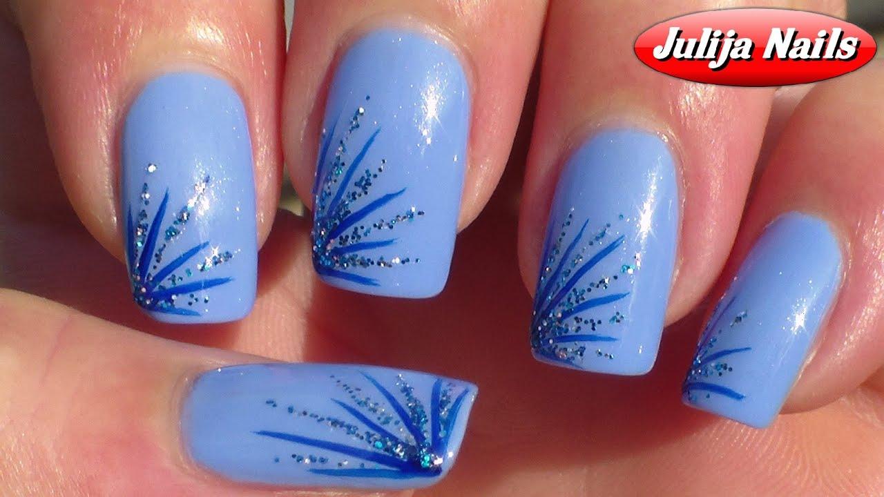 Рисунок на ногтях в голубых тонах