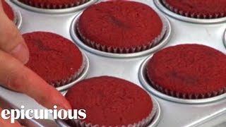 Valentine's Day Cupcakes from Magnolia Bakery: How to Make Red Velvet Cupcakes