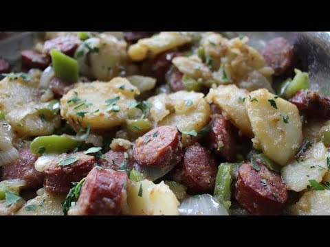 Southern Smothered Potatoes & Sausage - Soul Food Dinner Idea - I Heart Recipes
