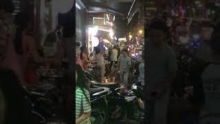 Biến căng diễn viên Phạm Anh Tuấn 5s online choảng nhau với nhân viên quán ăn ở phố đi bộ Bùi Viện