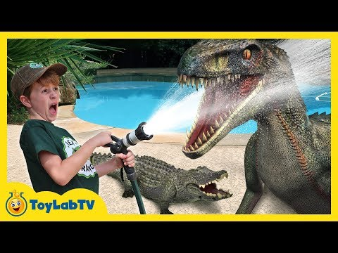Jurassic World Fallen Kingdom Surprise Toys Hunt & Giant Life Size Dinosaur Water Blaster Showdown