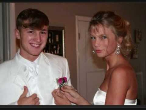 Taylor Swifts homecoming when she was 15!