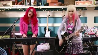 Violetta 3: Roxy y Fausta cantan