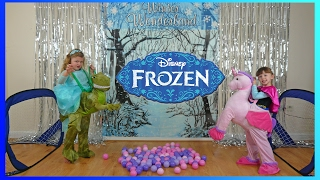 DISNEY FROZEN ELSA and ANNA Crazy ICE CHALLENGE! | The Disney Toy Collector