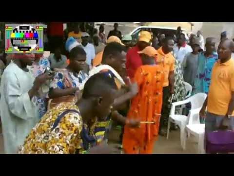 La population de Kadambara (Tchaoudjo) a réservé un accueil chaleureux à Jean-Pierre Fabre