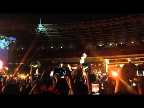 One Direction - Kiss You (otra Tour 2015 At Gbk, Jakarta)   25 March 2015 video