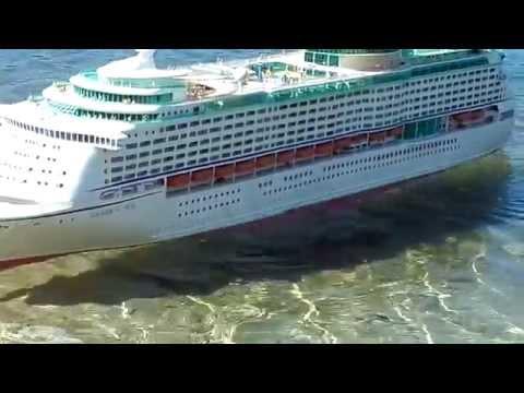 Cruise Ship Voyager Rough Seas rc Boat / Cruise Ship Voyager