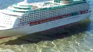 RC boat / cruise ship voyager of the seas
