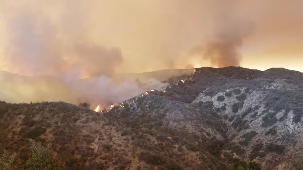 Holy Fire rages near California's Lake Elsinore