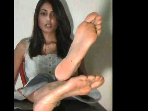 Women big feet fetish explanantion