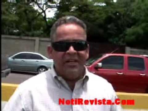 Ing. Víctor Pérez habla sobre el hoyo que esta en el elevado Santiago Rep.Dom NotiRevista.Com