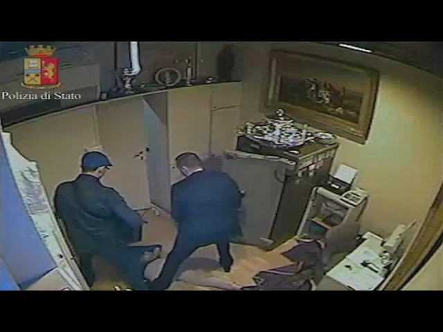 Jewelry Store Employee Assaulted During Vicious Robbery Caught On Video