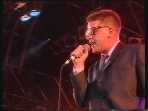 Madness - The Sun And The Rain (Madstock, Finsbury Park)