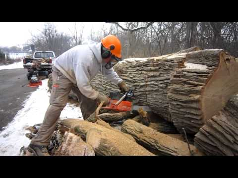 Dolmar PS-9010 in big wood
