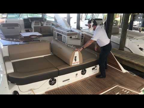 2019 Sea Ray 400SLX for Sale at MarineMax Naples Yacht Center